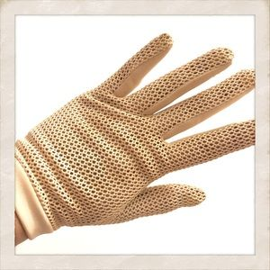 Vintage French Fishnet Gloves 😍